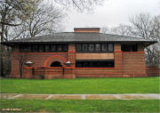 Frank Lloyd Wright architecture in Oak Park Illinois on McNees.org Wright-Site