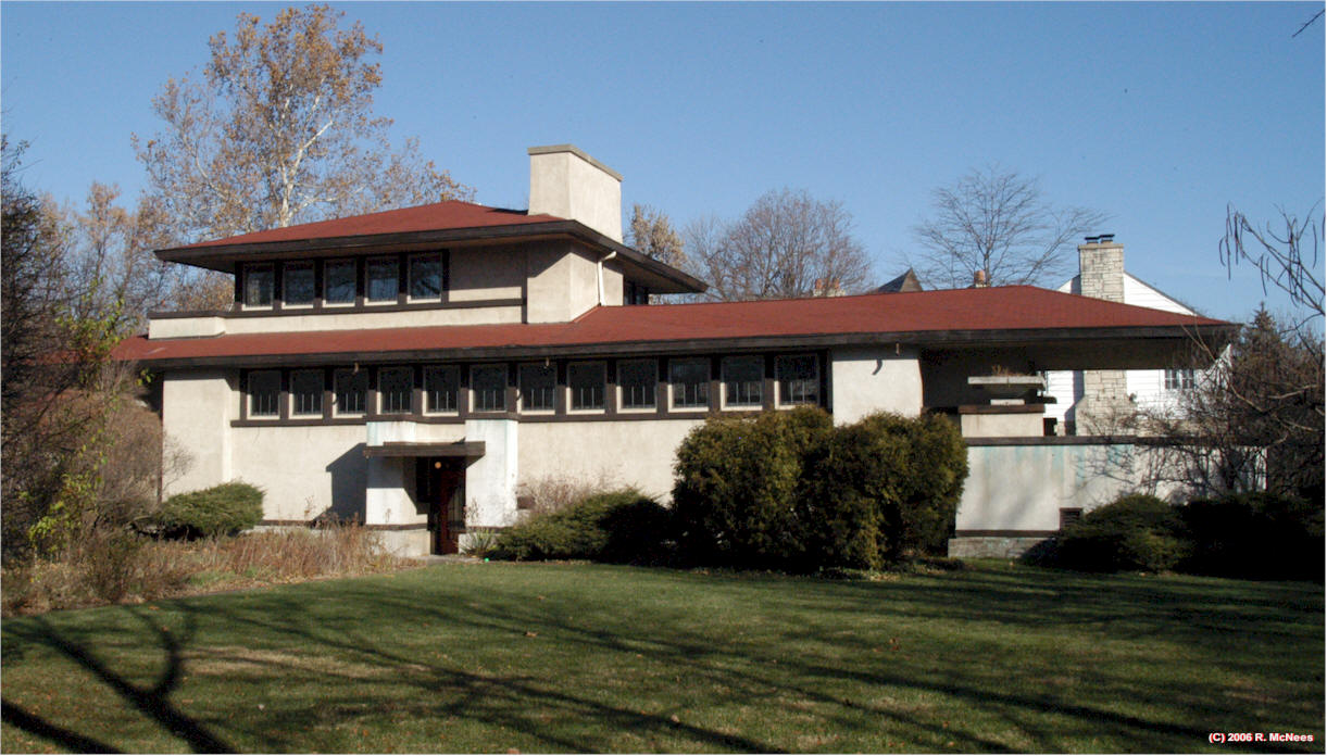 Frank lloyd wright prairie school architecture in for Avery house