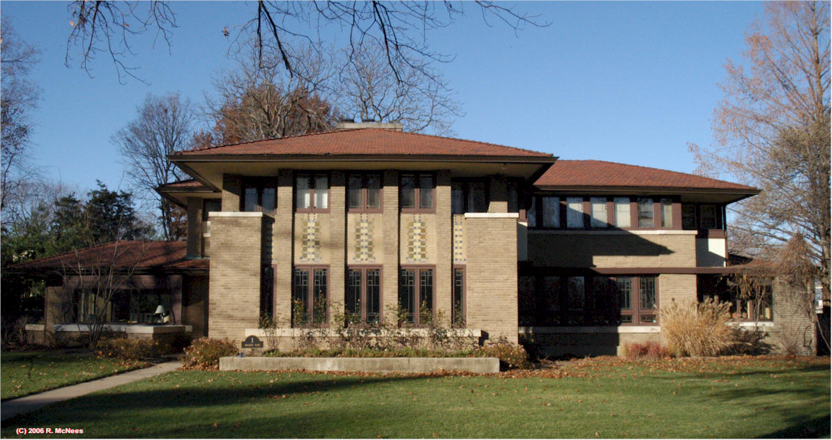 frank loyd wright essay Read this biographies essay and over 88,000 other research documents frank lloyd wright frank lloyd wright frank lloyd wright was born as frank lincoln wright in richland center in southwestern wisconsin, on.