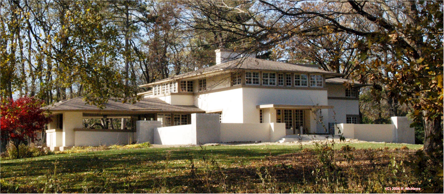 the life and contributions of frank lloyd wright This frank lloyd wright tour is an architecture devotee the many contributions of frank lloyd wright by opening the most about his life and his.